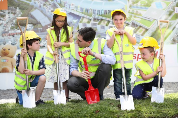 NO FEE PIC 20/06/16 Maxwell Photography New Childrens Hospital at St James Hospital Dublin first phase of construction begins . Minister for Health Simon Harris TD joins children L-R James Stack (9) Grace Cawley ( 8) Adam Kelly (5) and Matilda Kiernan (7) at the announcement and photocall to mark the beginning of construction at site of the new childrens hospital at St.James in Dublin. Maxwell Photography/ more info contact  Q4PR